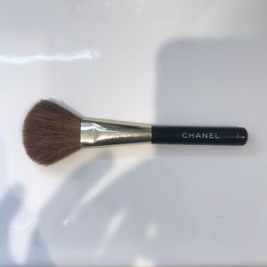 Chanel blush brush #7